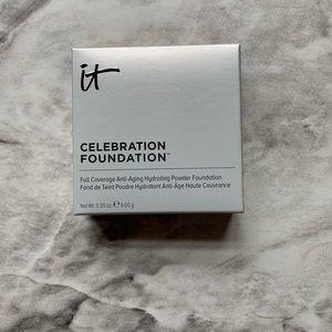 🆕 IT Cosmetics Celebration Foundation - Light